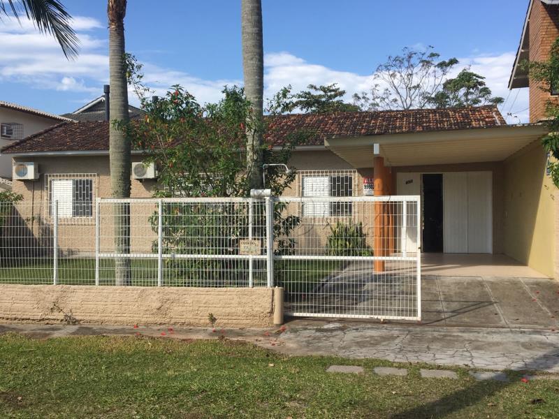 Casa Código 10025 para Temporada no bairro Daniela na cidade de Florianópolis