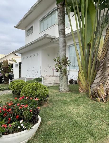 Casa Código 10092 para Temporada no bairro Jurerê Internacional na cidade de Florianópolis