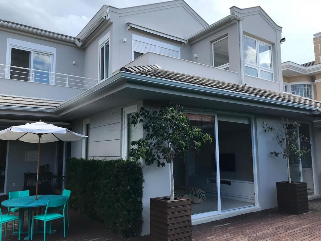 Casa Código 10421 para alugar  no bairro Jurerê Internacional na cidade de Florianópolis