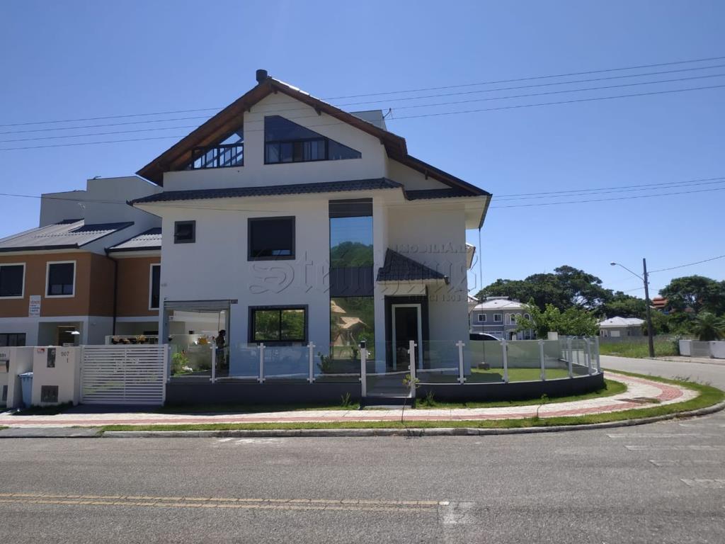 Casa Código 10640 para Venda no bairro Cachoeira do Bom Jesus na cidade de Florianópolis