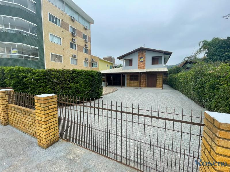 Casa-Codigo-4-para-Alugar-na-temporada-no-bairro-Palmas-na-cidade-de-Governador-Celso-Ramos