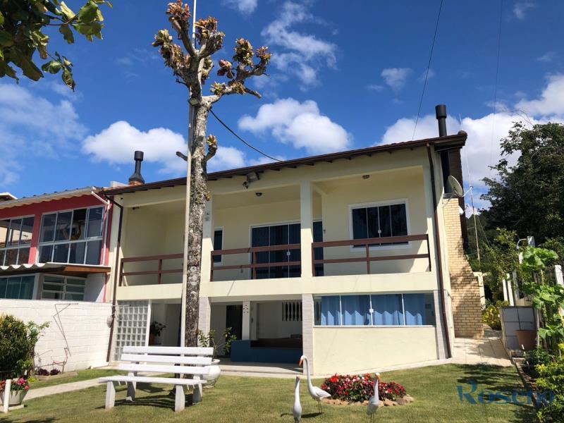 Casa-Codigo-10-para-Alugar-na-temporada-no-bairro-Costeira-da-Armação-na-cidade-de-Governador-Celso-Ramos