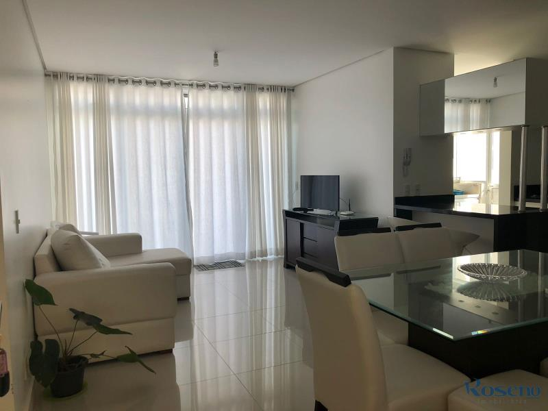 Cobertura Codigo 26 para Alugar para temporada no bairro Palmas na cidade de Governador Celso Ramos sala de estar