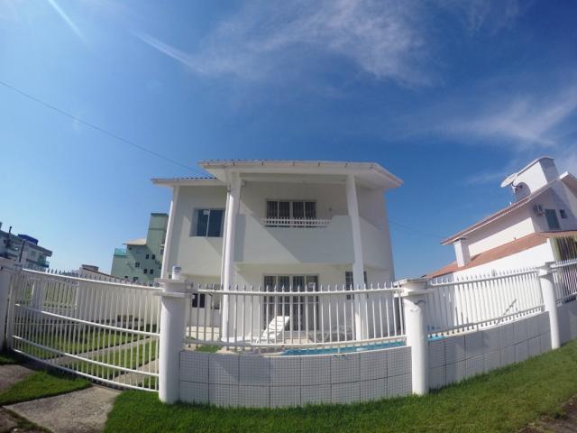 Casa-Codigo-228-para-alugar-no-bairro-Palmas-na-cidade-de-Governador-Celso-Ramos