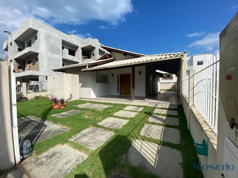Casa-Codigo-11-para-Alugar-na-temporada-no-bairro-Palmas-na-cidade-de-Governador-Celso-Ramos