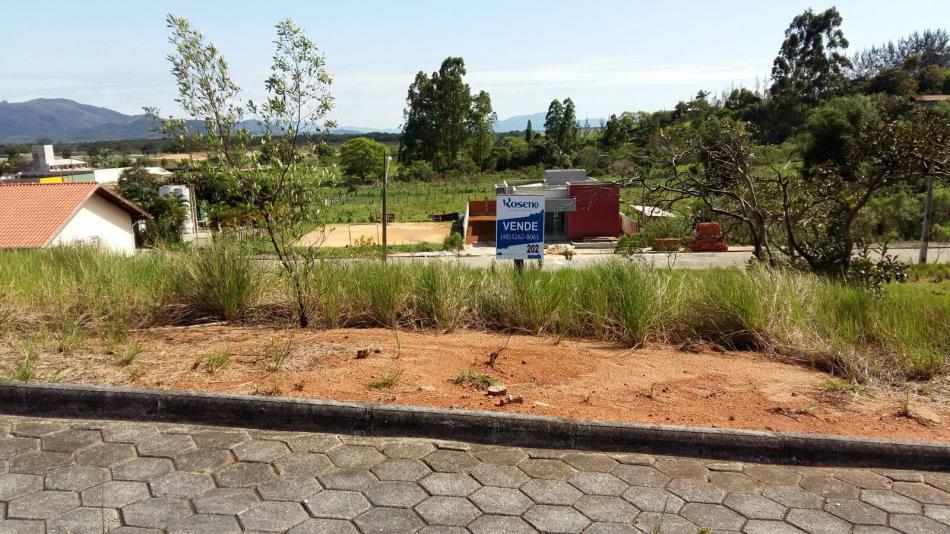 Terreno-Codigo-304-a-Venda-no-bairro-Areias-Do-meio-na-cidade-de-Governador-Celso-Ramos