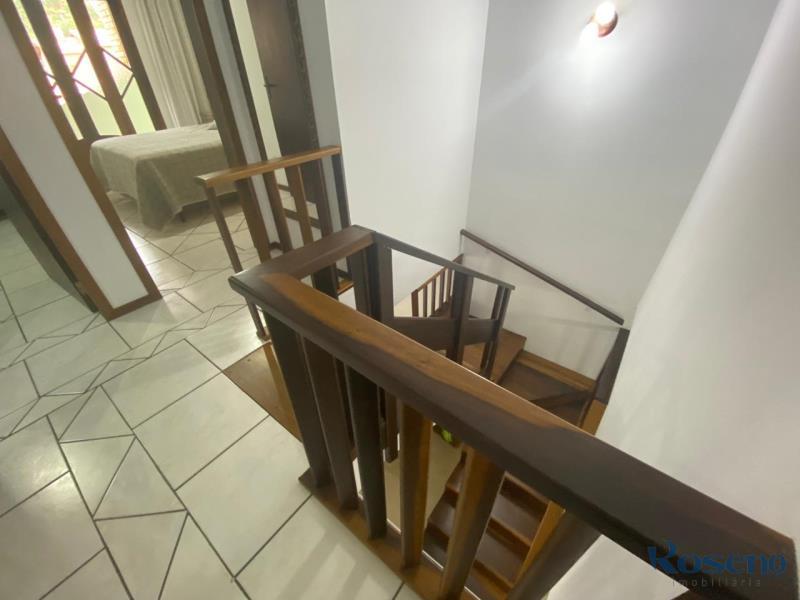 Escada em madeira