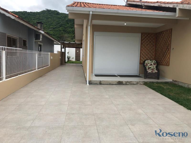 Casa Codigo 2 para Alugar para temporada no bairro Palmas na cidade de Governador Celso Ramos