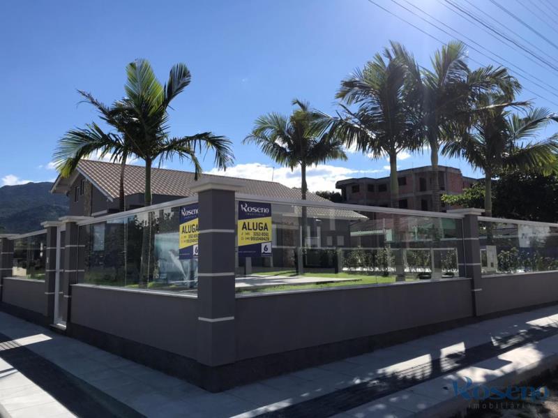 Casa-Codigo-6-para-Alugar-na-temporada-no-bairro-Palmas-na-cidade-de-Governador-Celso-Ramos