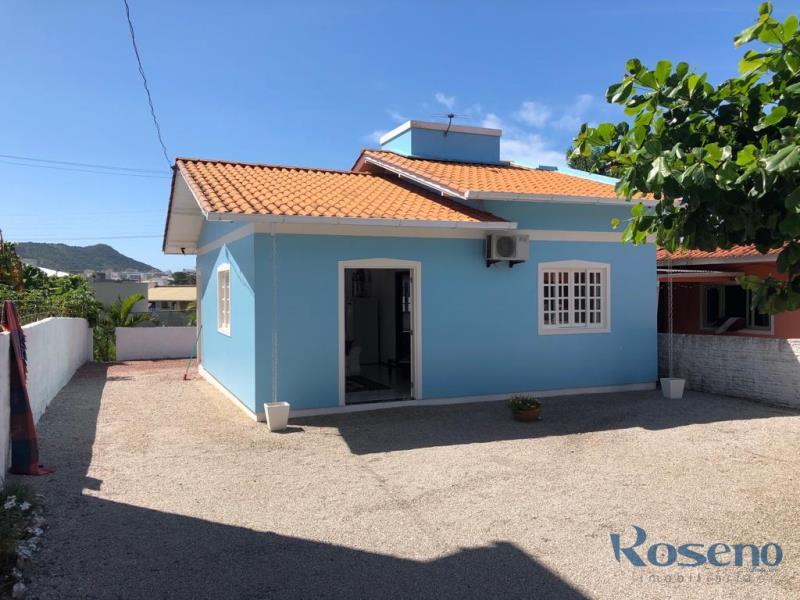Casa-Codigo-150-para-alugar-no-bairro-Palmas-na-cidade-de-Governador-Celso-Ramos