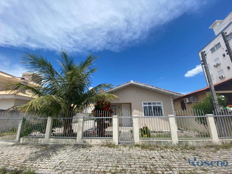 Casa-Codigo-8-para-Alugar-na-temporada-no-bairro-Palmas-na-cidade-de-Governador-Celso-Ramos