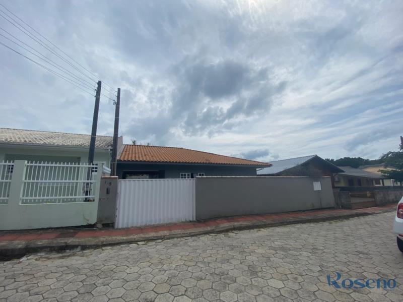 Casa-Codigo-179-a-Venda-no-bairro-Palmas-na-cidade-de-Governador-Celso-Ramos