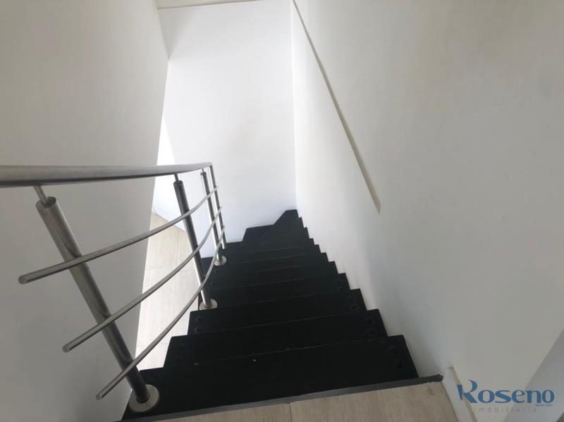 Casa Codigo 220 a Venda no bairro Palmas na cidade de Governador Celso Ramos  escada