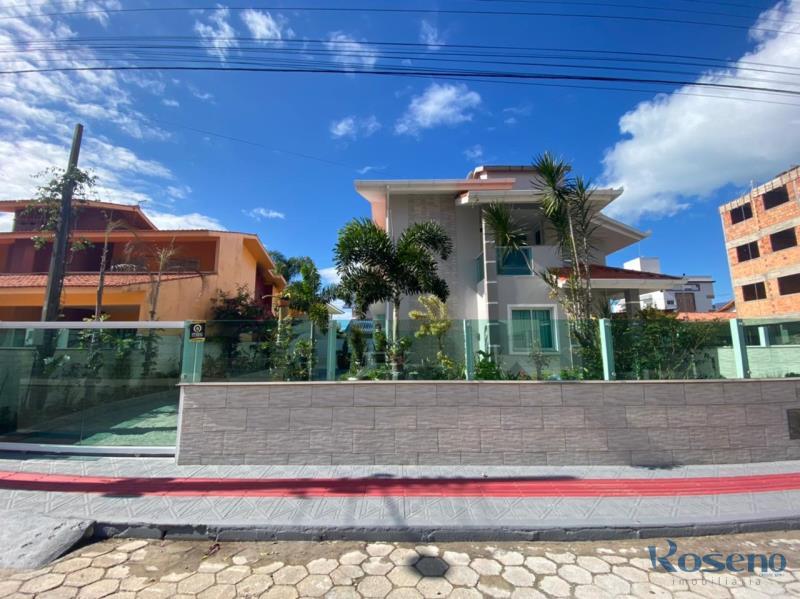 Casa-Codigo-13-para-Alugar-na-temporada-no-bairro-Palmas-na-cidade-de-Governador-Celso-Ramos